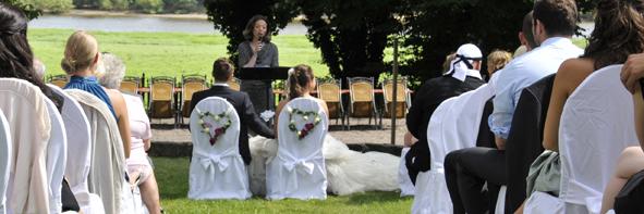 Wunderbare Hochzeitszeremonie in Dresden an der Elbe...