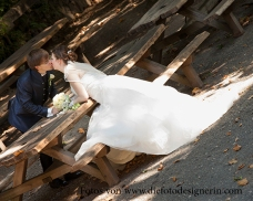 Das Brautpaar gönnt sich eine Pause...